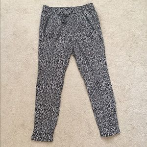 Gap Black and White Printed Ankle Pant- Size S